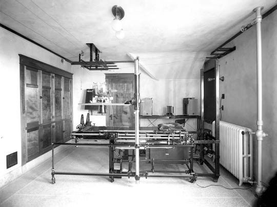 Marshfield Clinic X-ray equipment in 1922.