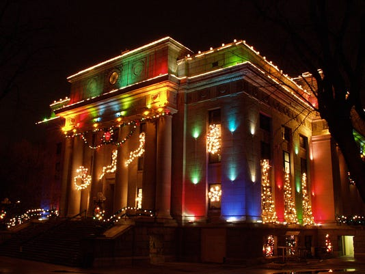 Prescott Courthouse. Prescott courthouse Christmas lights. - Arizona's Best Christmas Lights Displays 2018