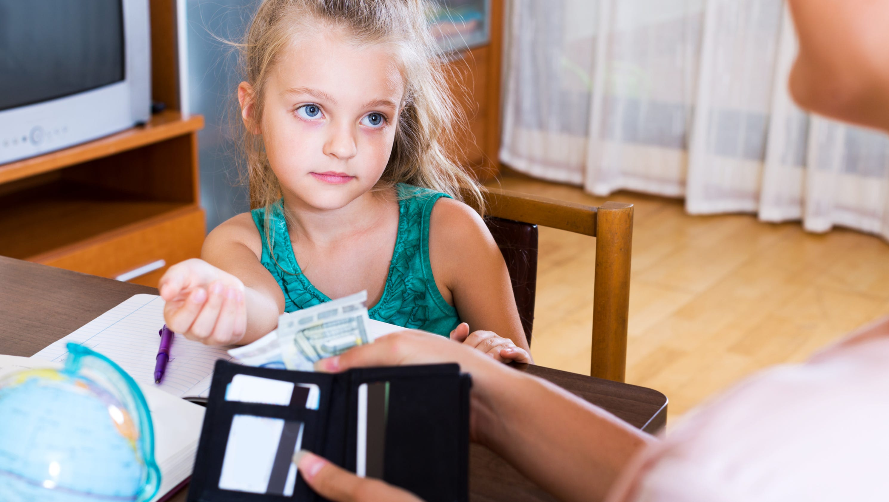 should kids get an allowance Parents often ask me about whether they should give their teens an allowance some feel that children should do their chores because it&rsquos the right thing to do, and they should not be paid for it.