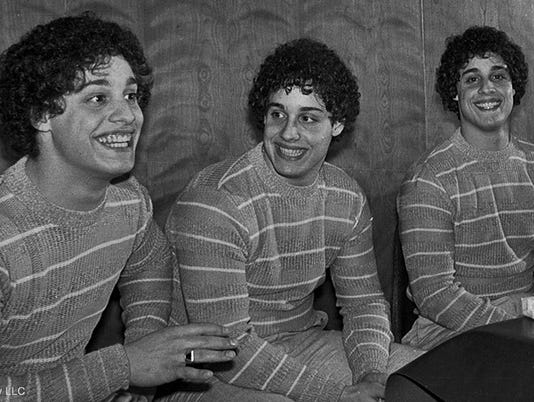 636670036328153054-THREE-IDENTICAL-STRANGERS.jpg
