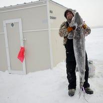 8 sturgeon, more than 300 fishermen and a 66-minute season