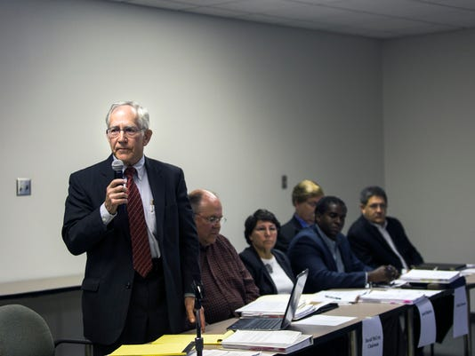 board-hearing02.jpg