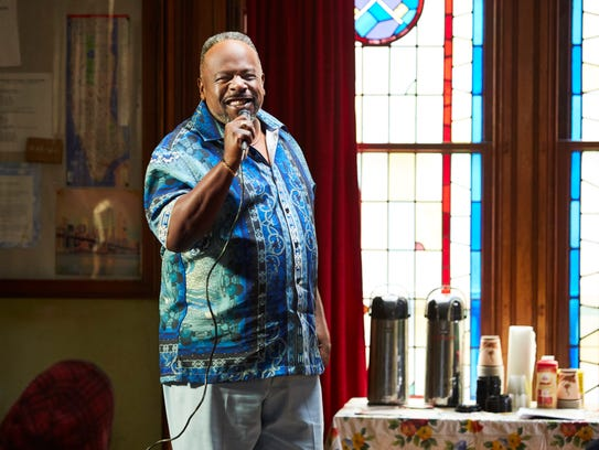 """Cedric the Entertainer as Mullins on """"The Last O.G."""""""