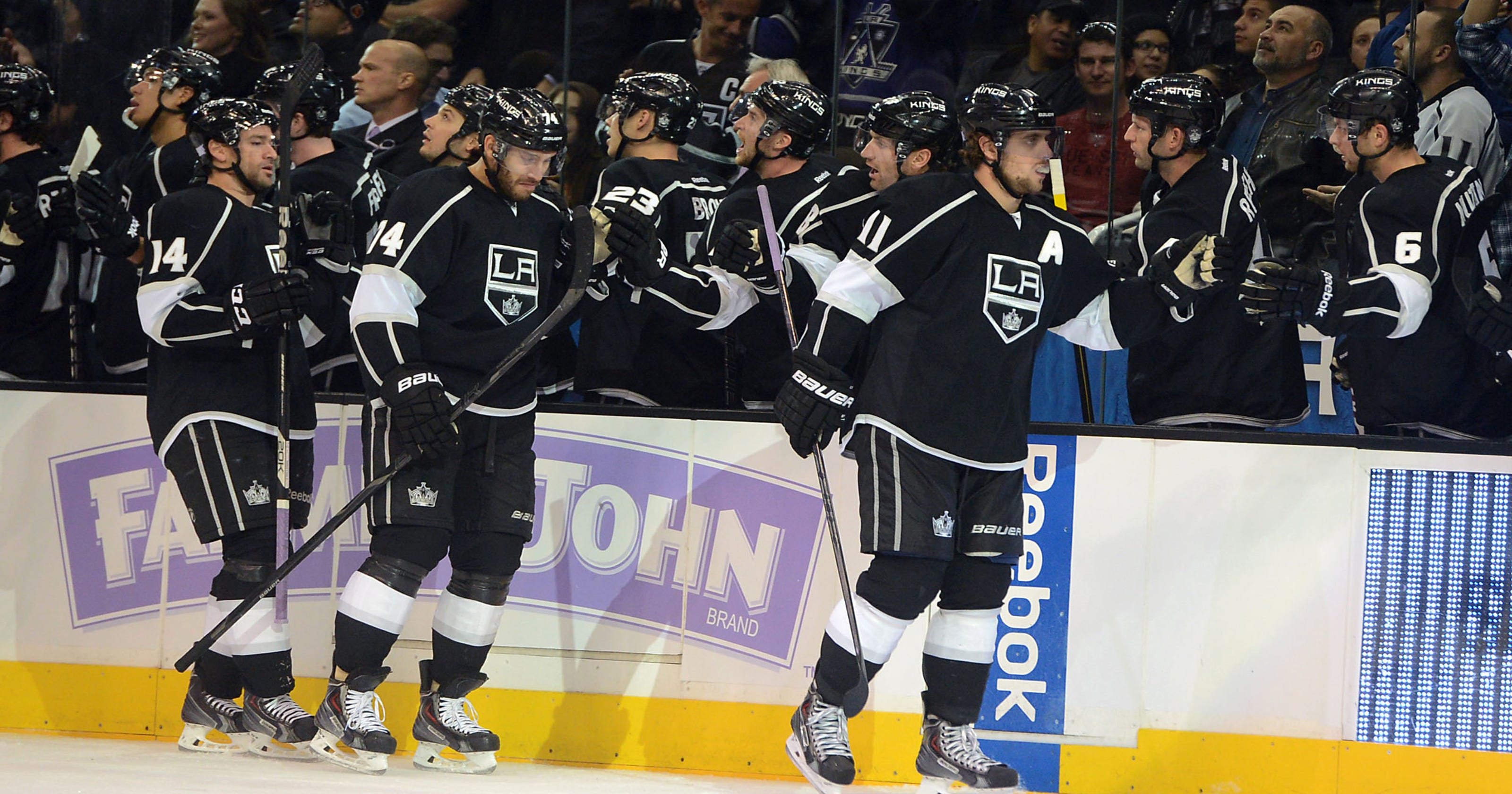 NHL roundup  King nets hat trick as Kings hold off Coyotes 55b85a735