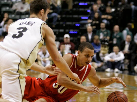 38661bb09b18 Davidson guard Stephen Curry (30) and Purdue guard