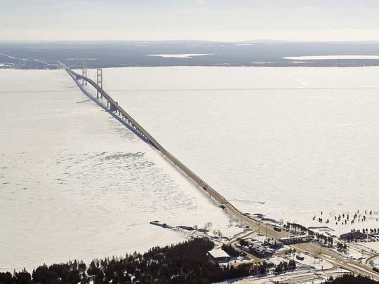 mackinac-bridge-ice