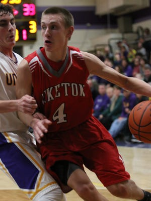 Piketon's Steven Zimmerman drives to the basket against Unioto last season at Unioto High School. Zimmerman and his teammates will play under newly hired head coach Evan Legg in 2016-17.