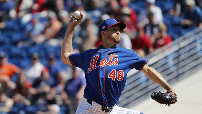 Jacob deGrom fired three shutout innings in his first spring-training outing for the Mets. deGrom's first 13 pitches were for strikes.