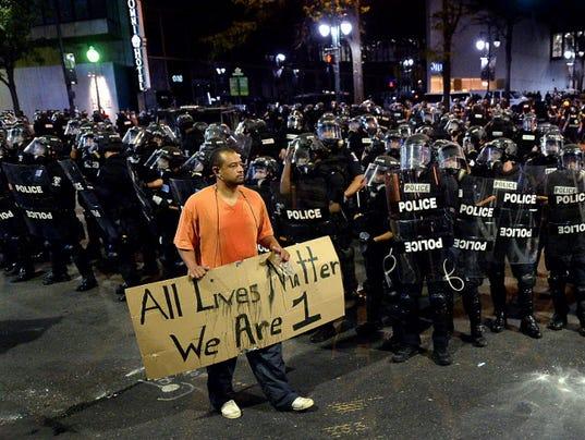 AP APTOPIX CHARLOTTE POLICE FATAL SHOOTING A USA NC