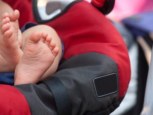 Car seat baby feet