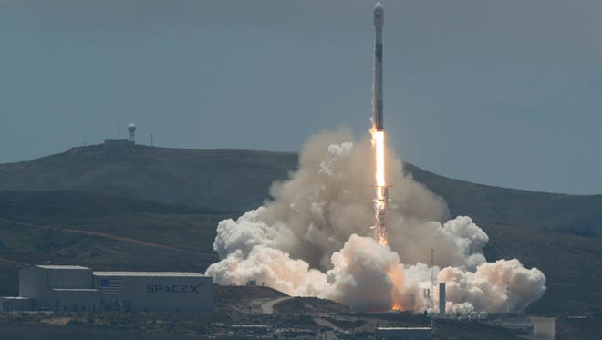 The NASA/German Research Centre for Geosciences GRACE Follow-On spacecraft launch onboard a SpaceX Falcon 9 rocket, Tuesday, May 22, 2018, from Space Launch Complex 4E at Vandenberg Air Force Base in California. The mission will measure changes in how mass is redistributed within and among Earth's atmosphere, oceans, land and ice sheets, as well as within Earth itself.