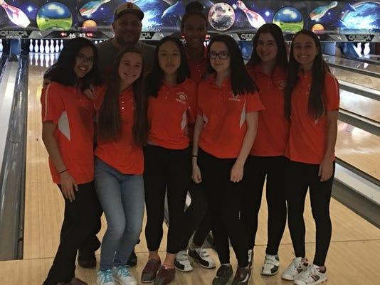 2017-18-Bowling-DumontGirls.jpg