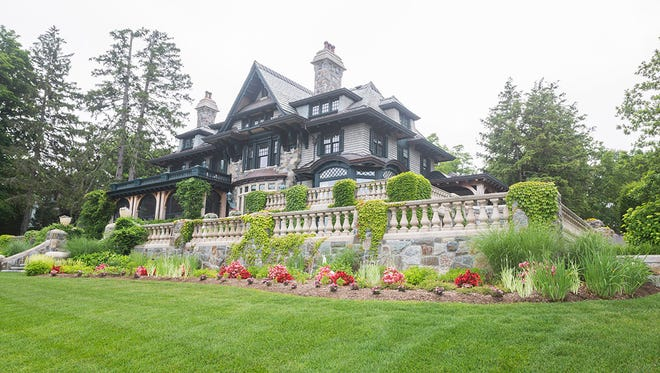 The Weitsman's commanding 14,000-square-foot mansion on the northern west side of Skaneateles lake.