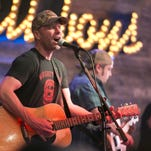 Dierks Bentley honors dad, greets fans at free Gilbert Whiskey Row show before Country Thunder