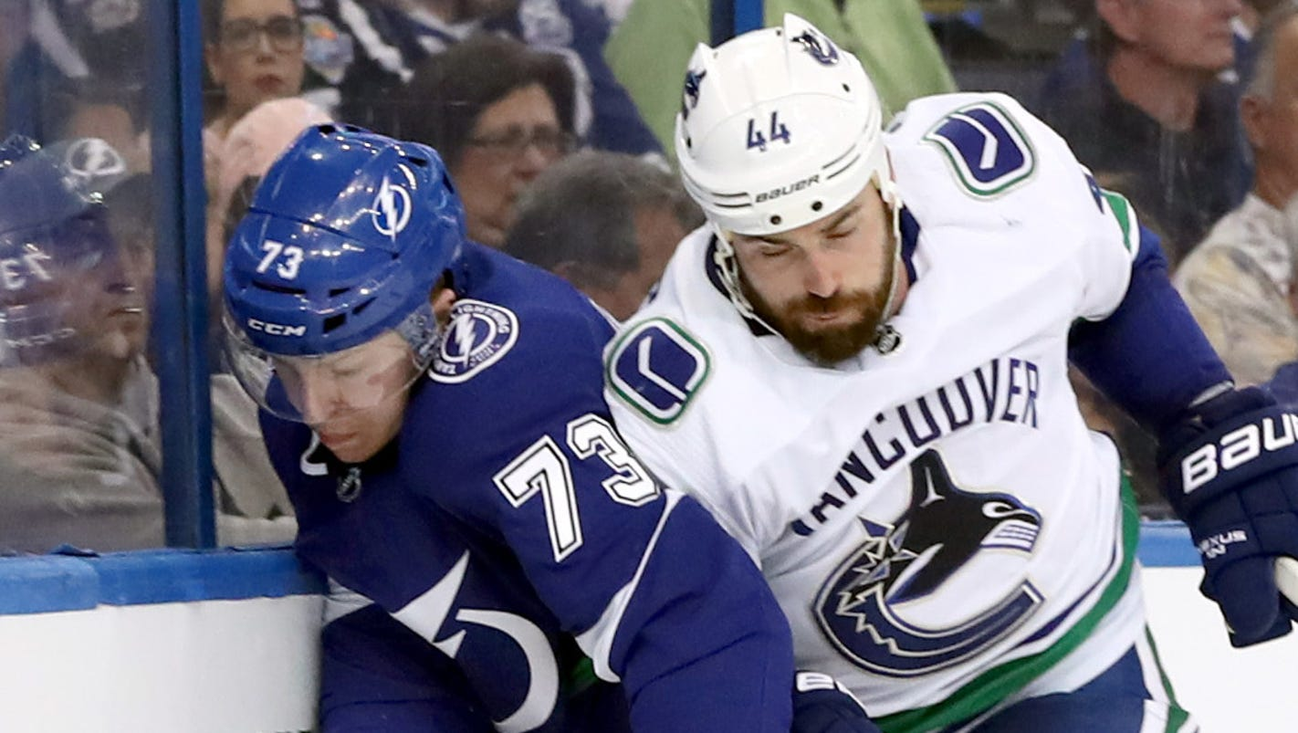 636547366602969302-usp-nhl--vancouver-canucks-at-tampa-bay-lightning