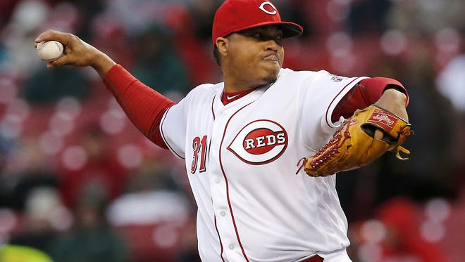 Cincinnati Reds starting pitcher Alfredo Simon (31) delivers a pitch in the top of the second inning of the MLB game between the Cincinnati Reds and the Pittsburgh Pirates at Great American Ball Park on Friday, April 8, 2016. After three innings the Reds led 3-1.