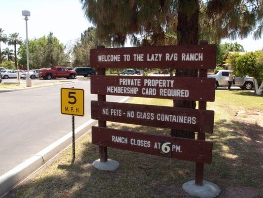 Lazy R&G Ranch sign