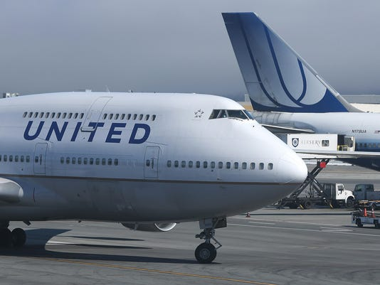 DOT hits United with record fine for long tarmac delays