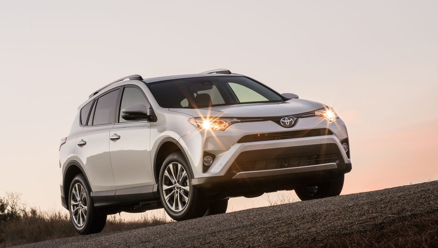 review toyota rav4 hybrid is a no brainer gas saver. Black Bedroom Furniture Sets. Home Design Ideas