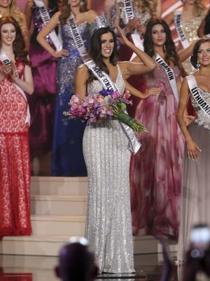 Miss Colombia Paulina Vega is crowned Miss Universe 2015 onstage during The 63rd Annual Miss Universe Pageant at Florida International University on January 25, 2015 in Miami, Florida.