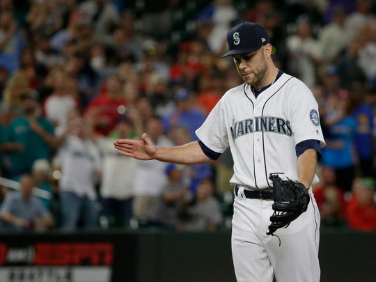 David Phelps, who was injured Aug. 6, returned to the Mariners' bullpen on Wednesday.