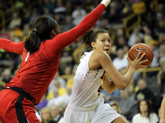 635881409999079804-IOW-0104-Iowa-wbb-vs-Rutgers-09.jpg