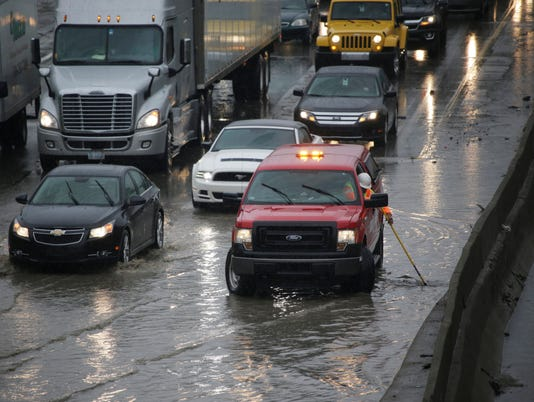 636107523791781678-Flooding-092916-05-MW.jpg