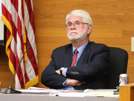 Mayor Chuck Bennett listens during a Salem City Council