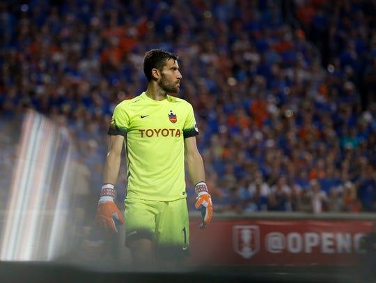 FC Cincinnati goalkeeper Mitch Hildebrandt (0) paces