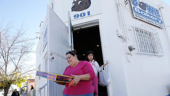 Alba Maldonado leaves Bowie Bakery on Thursday with her rosca for Three Kings Day.