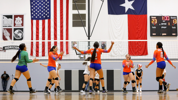 Canutillo celebrates a point against Horizon.