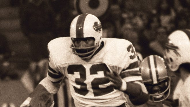 Buffalo Bills running back O.J. Simpson rushed for an NFL record 273 yards  against the Detroit Lions on Thanksgiving in 1976. The Lions, however, won the game, 27-14.