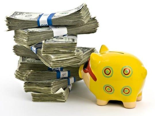 -RCHBrd_12-29-2013_RCH_1_A001~~2013~12~28~IMG_piggy_bank_and_bills_1_1_RN614.jpg