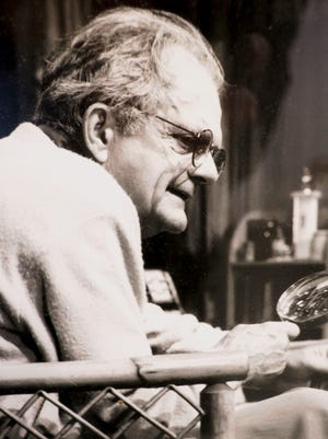 """Sam Lloyd, shown in a 1991 Weston Playhouse production of """"On Golden Pond,"""" died Friday at age 91."""