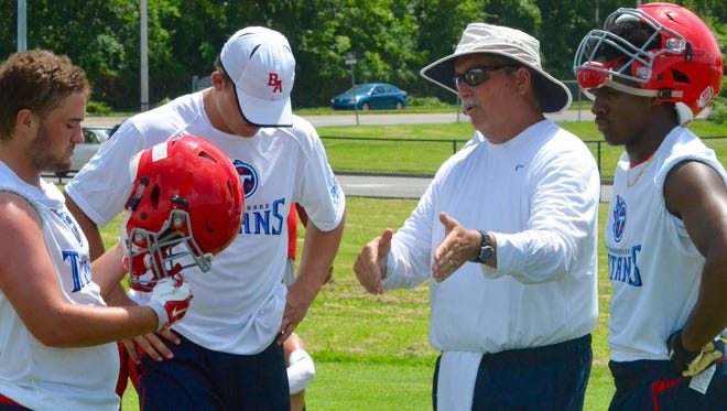 Former Father Ryan coach Bruce Lussier has taken an assistant coaching job at Brentwood Academy.