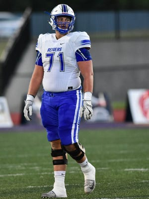 Iowa Western Community College offensive lineman and West Florida High product Noah Banks committed to play for Arkansas on Wednesday.