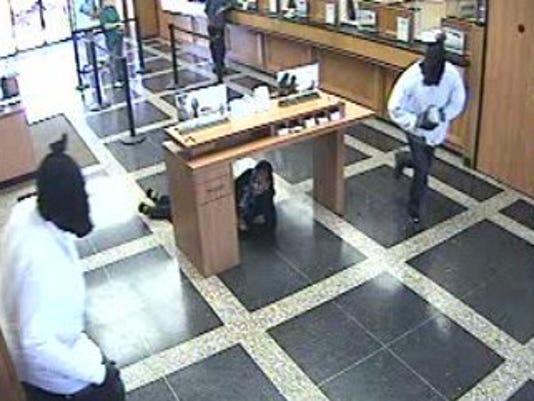moss st bank robbery 2.jpg
