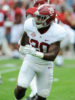 Alabama linebacker Shaun Dion Hamilton (20) warms up before the A-Day Spring Game at Bryant-Denny Stadium in Tuscaloosa, Ala. on Saturday April 18, 2015.