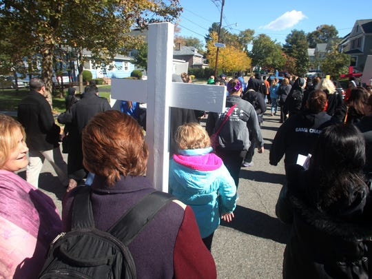 """Parishioners from throughout the Diocese of Metuchen participate in a walk-a-thon entitled """"Going the Extra Mile for Kids in Need of Jesus"""", Sunday, October 18, 2015, as part of World Mission Sunday in Metuchen, NJ."""