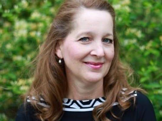Rhonda Leet