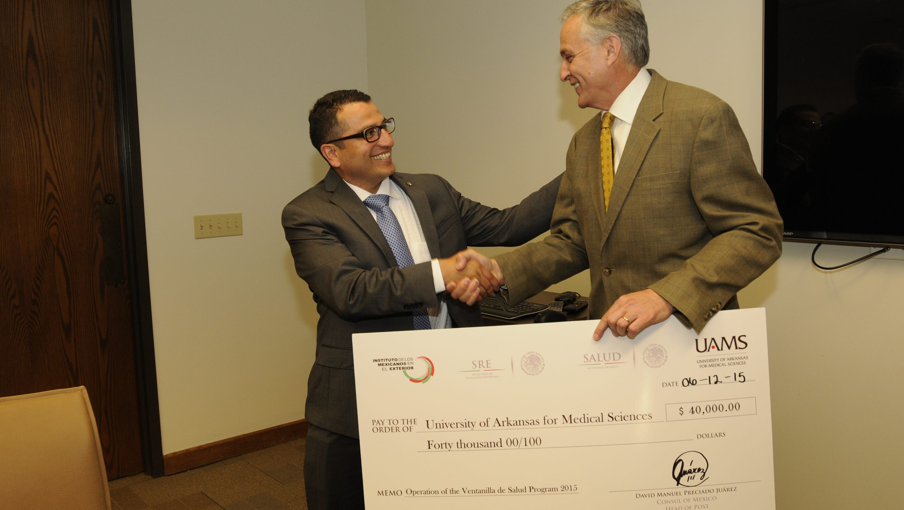 Uams receives 40 000 from mexican consulate to continue for Consul healthcheck