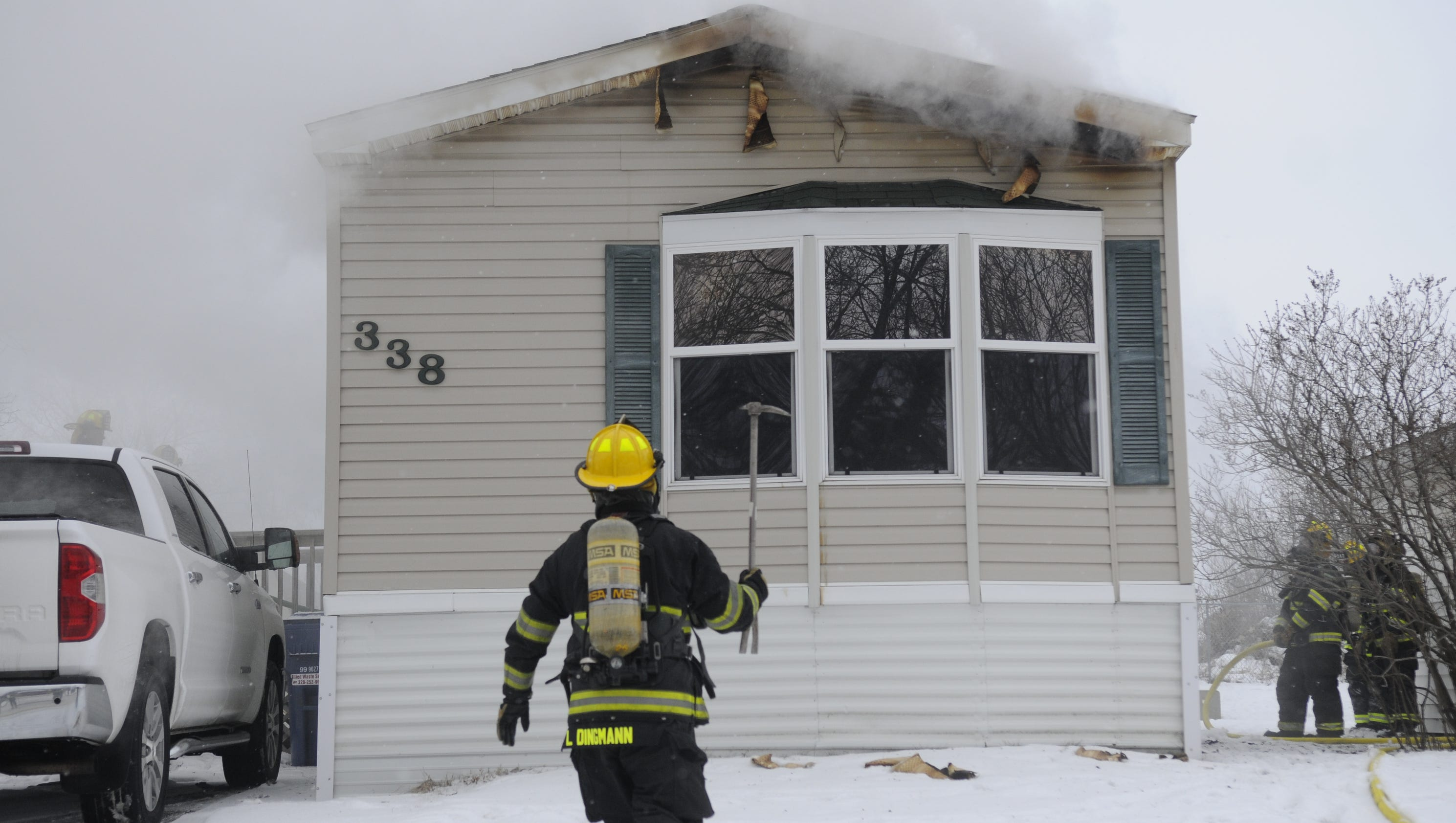Police help man escape mobile home fire in sartell for 2 story modular homes sc