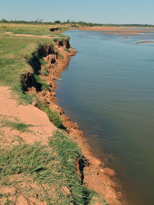 Eminent domain is a factor in a long-running dispute between the federal government and landowners along the Red River.