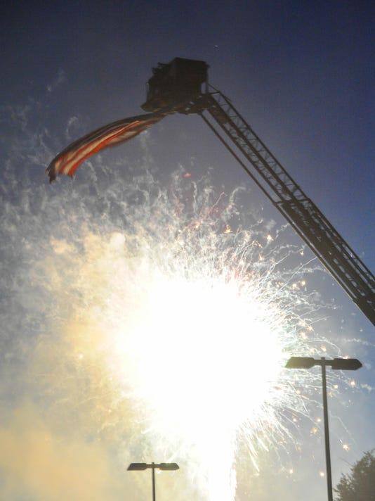 -070414jmo-Fireworks-9330.jpg_20140704.jpg