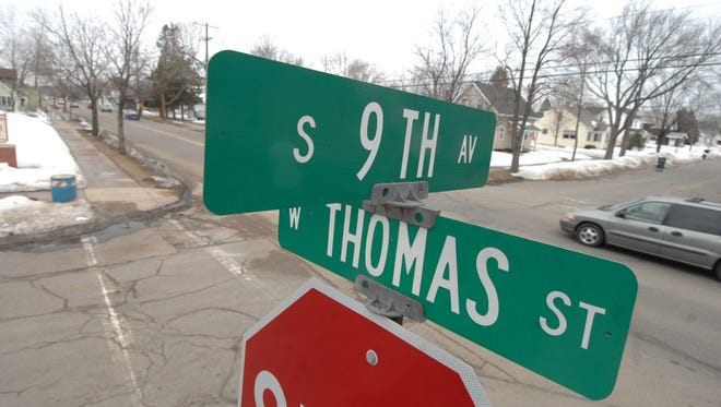 The Capital Improvements and Street Maintenance Committee voted Wednesday to authorize engineers to begin drafting a 60 percent plan for the second phase of Thomas Street construction.