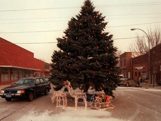 The Slater Christmas tree as it appeared in 1996.