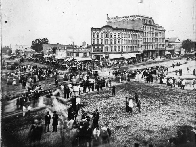 Michigan Avenue at Woodward in Detroit in 1865 was