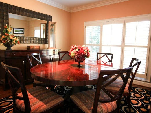 Tour home of terry and mary meiners in st matthews for Dining room 56 willoughby street