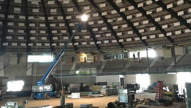 "The Rapides Parish Coliseum is undergoing a $22.9 million renovation. The Police Jury has called a special meeting for 9 a.m. Tuesday to go into executive session to discuss ""the professional competence of the members of the Coliseum Authority and its director."""