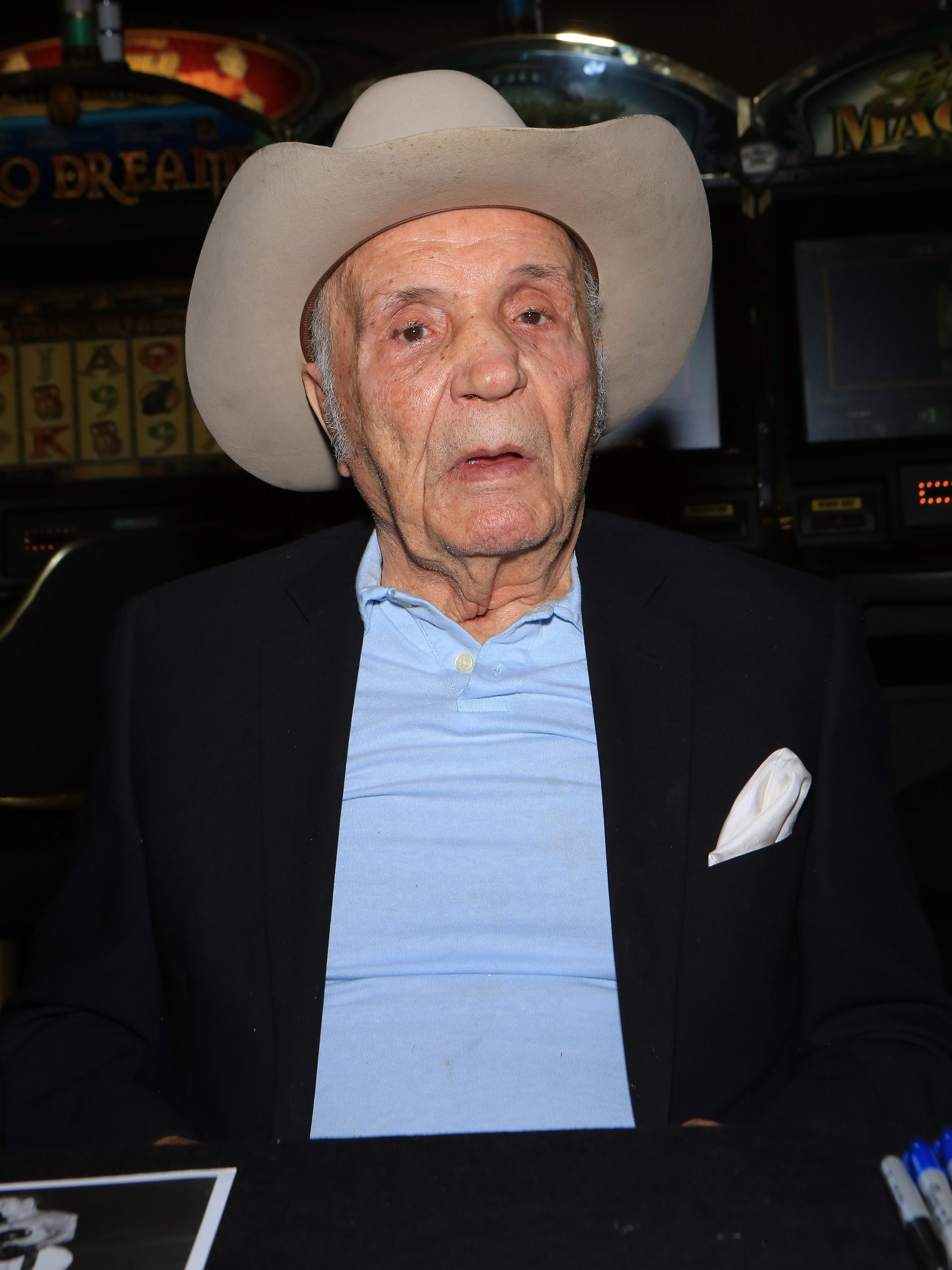 Raging Bull' boxing champion Jake LaMotta dies at 95